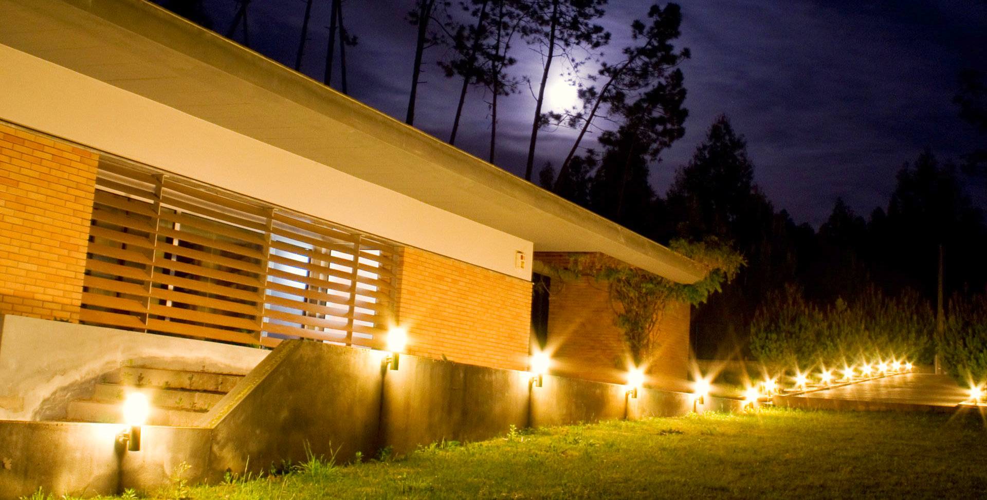 led lights aligned outdoor